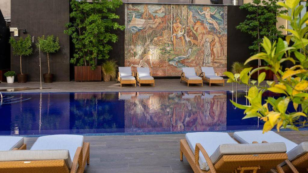 hotel wellington pool
