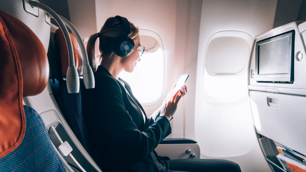 The 7 best noise-canceling headphones for business travelers