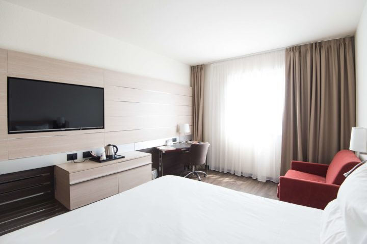 What do business travelers need in a hotel?