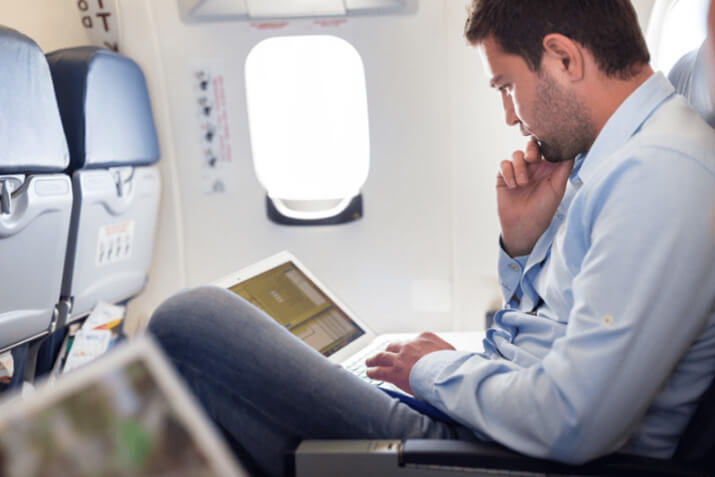 9 Tips on how to make economy class more comfortable