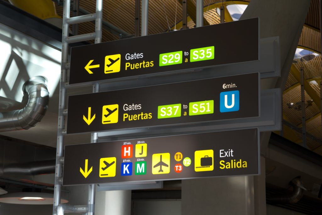 Airport signs in Spanish and English