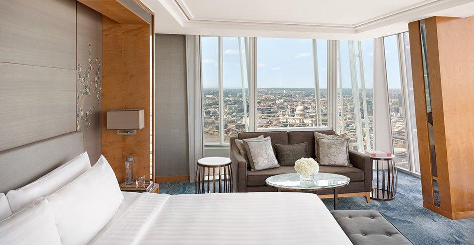 Shangri La London bedroom