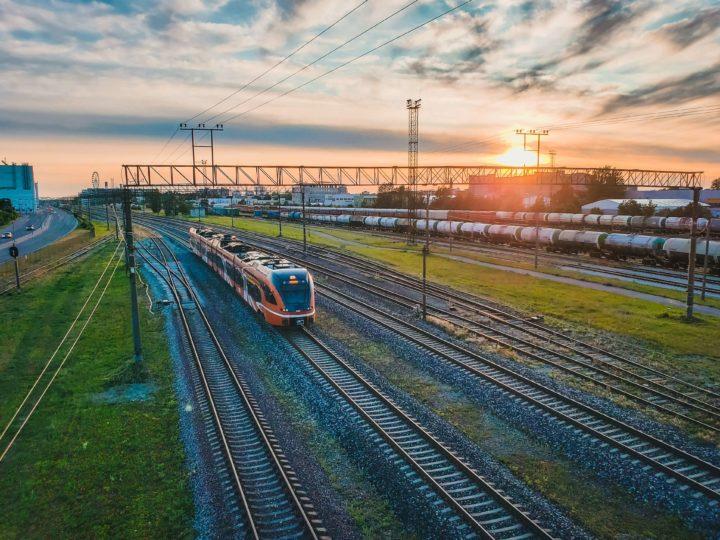 8 key benefits of business train travel